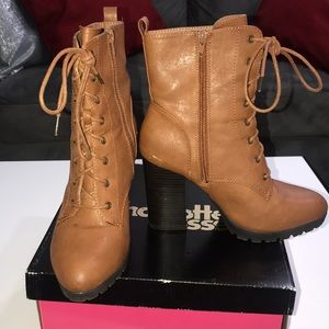 """Cognac laced """"combat"""" heeled boots"""